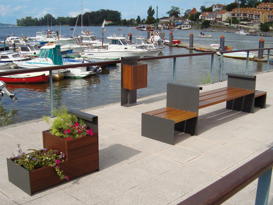 Instalaci n de mobiliario urbano en castell n for Mobiliario urbano tipos